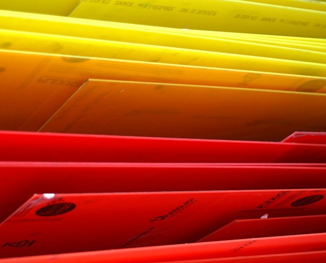 Zuschnitte - Plexiglasplatten, Stegplatten, Wellplatten, Doppelstegplatten, Hohlkammerplatten, Rundstäbe, Vierkantstäbe, Rohre
